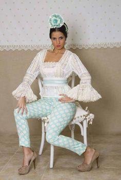 287 mejores imágenes de trajes flamenca en 2019  970f3aa55b1e