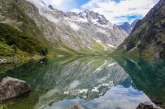 New Zealand - Lake Marian, an alpine lake in one of the most beautiful settings in Fiordland. Photo: Elizabeth Carlson ©