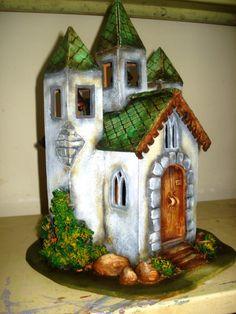 Solar Fairy House, Fairy Garden Houses, Miniature Houses, Miniature Fairy Gardens, Pumpkin Fairy House, Doll House People, House Cake, Wine Bottle Art, Clay Fairies