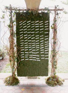 Beautiful moss display for escort cards: http://www.stylemepretty.com/2014/03/11/romantic-garden-wedding-at-caramoor/ Photography: Elisabeth Millay: