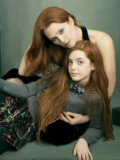 Julianne Moore and her daughter, Liv Freundlich, by Annie Leibovitz for Vogue US (August 2014)