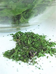 Dry fresh herbs in 30 seconds flat – really! - Flourish - King Arthur Flour