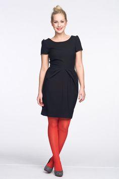 Schwarzes Kleid als trendiger Abend-Look - Bilder - Mädchen.de