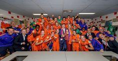 """Koninklijk Huis on Instagram: """"#Oranjeleeuwinnen winnen het eerste duel tegen Noorwegen van het #EKvoetbal voor vrouwen. Koning Willem-Alexander en Koningin Máxima…"""""""
