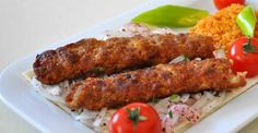 Şiş Kebap Tarifi Turkish Kebab, Turkish Recipes, Ethnic Recipes, Tandoori Chicken, Sausage, Dishes, Food, Cooking, Sausages