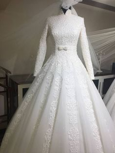 Nice 10+ Beautiful Moslem Wedding Gown https://weddmagz.com/10-beautiful-moslem-wedding-gown/