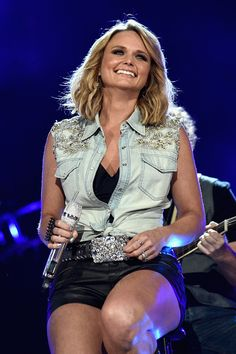 """""""Miranda Lambert (with Patty Loveless) perform at The ACM Party for a Cause Festival Superstar Duets, Saturday, April 2015 """" Miranda Lambert Bikini, Miranda Lambert Photos, Miranda Blake, Miranda Kerr, Country Women, Country Girls, Country Music, Cebu, Country Female Singers"""