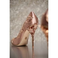 Ralph and Russo rose gold wedding pumps with ornamental filigree leaves spiralli. Ralph and Russo rose gold wedding pumps with ornamental filigree leaves spiralling up the heel // Beautiful bridal shoes. Pretty Shoes, Beautiful Shoes, Cute Shoes, Me Too Shoes, Gorgeous Heels, Ralph And Russo Shoes, Wedding Pumps, Rose Gold Wedding Shoes, Rose Gold High Heels