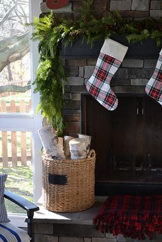outdoor Christmas mantle