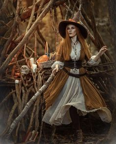 Witch Photos, Cosplay Characters, Victorian, Holiday Travel, Autumn, Halloween, Fictional Characters, Dresses, Art
