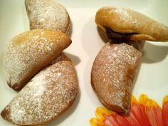 Mini Calzone de Nutella. Ver la receta http://www.mis-recetas.org/recetas/show/36165-mini-calzone-de-nutella