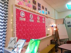 The Creative Apple Blog:Teacher Week '13: Classroom Digsfrom www.the-creative-apple.blogspot.com