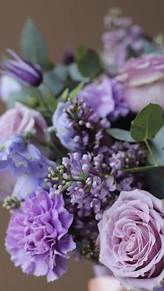 Beautiful Flowers Garden, Amazing Flowers, Love Flowers, Beautiful Roses, Flower Iphone Wallpaper, Flower Backgrounds, Flower Wallpaper, Lilac Wedding Flowers, Floral Arrangements