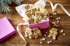 Ciasteczka korzenne misie Christmas Eve, Gingerbread Cookies, Desserts, Food, Gingerbread Cupcakes, Tailgate Desserts, Deserts, Essen, Postres