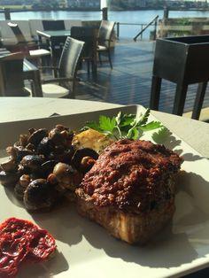 Bistecca di Pesto #nueces #ajo #quesorallado #champiñonessalteados #papaslashierbas