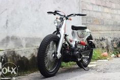 street cub - Buscar con Google Small Motorcycles, Honda Motorcycles, Custom Motorcycles, Custom Bikes, Honda Cycles, Honda Bobber, Bobber Motorcycle, Honda Cub, Motor Scooters