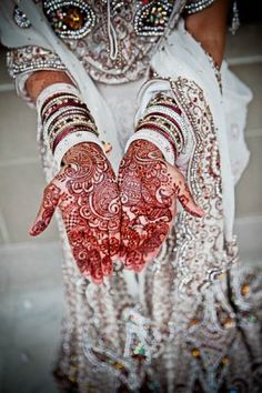 Image by Arrowood http://maharaniweddings.com/gallery/photo/1385
