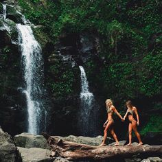 Throwback to chasing waterfalls with @quincydavis & @maudlecar @rebeccaamber #VolcomWomens#TrueToThis