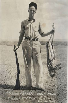 You never get to see anyone hunt giant grasshoppers anymore. | 40 Pictures That Show Just How Much The World Has Changed