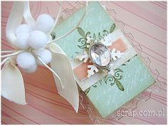 zimowy albumik akrylowy Album Book, Scrapbook Pages, Scrapbooking, Mini Albums, Cardmaking, Embellishments, Diy And Crafts, Gift Wrapping, Creative