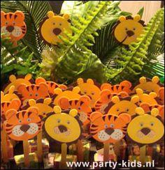jungletraktatie - Traktatie snoep, Traktaties - En nog veel meer traktaties, spelletjes, uitnodigingen en versieringen voor je verjaardag of kinderfeest op Party-Kids.nl