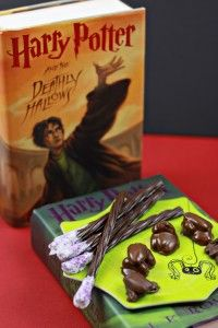 With the 7th Harry Potter film coming in November, this Halloween is perfect for a Harry Potter themed party.