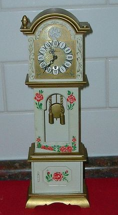 Mini Grandfather Clock... sweet!