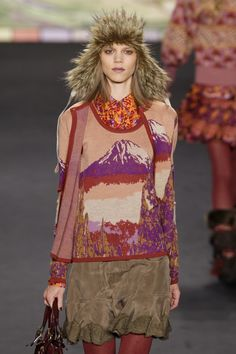 106 photos of Anna Sui at New York Fashion Week Fall 2010.