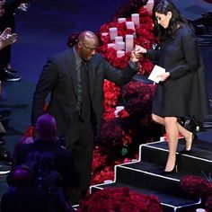 Watch : Venessa Bryant breaks down as she bids final goodbye to her husband Kobe Bryant and daughter Gigi at public Memorial Service - HungryBoo Kobe Bryant And Wife, Kobe Bryant Daughters, Kobe Bryant Family, Dez Bryant, Kobe Bryant Nba, Vanessa Bryant, Vanessa Simmons, Best Nba Players, Kobe Bryant Pictures