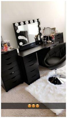 53 Best Makeup Vanities & Cases for Stylish Bedroom #roomideas #makeupvanities #makeuproom ~ vidur.net