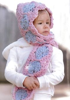 Baby Gifts to Love/ approx. 13 projects ~ cowl, poncho, hooded scarf, cocoon, car seat cover, blankets, play mat, etc. ~ CROCHET ~ uses super bulky yarn to crochet up fast & easy