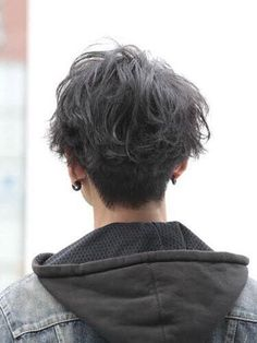 Mastering your Hair: Top 10 advices for a Modern Man Our Hairstyles Mens Hairstyles Tomboy Hairstyles, Trendy Hairstyles, Hair Inspo, Hair Inspiration, Wavy Hair Men, Haircuts For Men, Haircut Men, Haircut Style, Pixie Haircuts