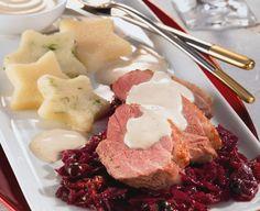 Zarte Entenbrust mit fruchtigem Rotkohl als festliches Essen zu Weihnachten