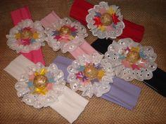 Faixa para cabelo de bebê customizada com tecido, renda, feltro, chapeuzinho de palha e fitinha de cetim.    Várias cores!    As bebês também no clima junino!