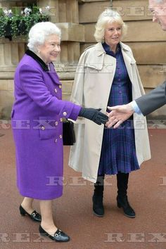 Horse Whispering Demonstration and Reception, London, Britain - 21 Oct 2015 Camilla Duchess of Cornwall and Queen Elizabeth II 21 Oct 2015