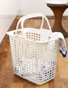 Laundry Bags With Handles Inspiration Our White Strapping Laundry Basket With Lid And Handles Is A Great Inspiration