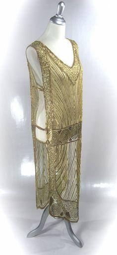 Chevron Tabard Gown Gold Metallic by CaliforniaBohemianCo 20s Fashion, Art Deco Fashion, Vintage Fashion, Fashion 2016, Fashion History, Antique Clothing, Historical Clothing, Pretty Dresses, Beautiful Dresses
