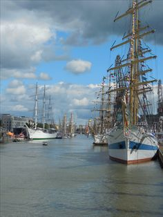 Turku Tall Ships Race 2017. Aurajoki. Tall Ships Race, Sailing Ships, Finland, San Francisco Skyline, New York Skyline, Boat, Travel, Dinghy, Viajes