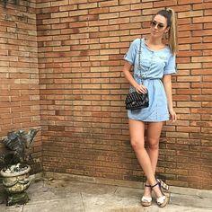 Você não abre mão do salto alto? Então faça que nem a blogueira @francinepantaleao: aposte nos saltos quadrados! Eles garantem conforto e estilo o dia inteirinho! Sandália ref. N7822 #weloveit #tanaracalcados #shoes #fashion #glamour #brazilianmodel #blogger
