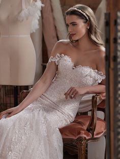 Let go of all your preconceived notions of a shimmery Ivory lace wedding dress. Say hello to this exceptionally elegant statement instead. Ivory Lace Wedding Dress, Maggie Sottero Wedding Dresses, Bridal Wedding Dresses, Bridal Gown, Bridal Closet, Plus Size Wedding Gowns, Allure Bridal, Wedding Dress Shopping, London Wedding