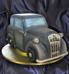 Morris 8 Cake by Chocolate Earth, via Flickr