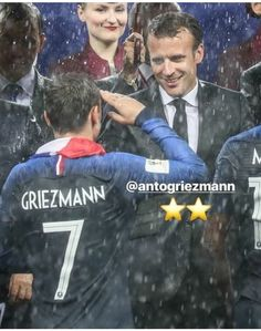 On est champion du monde World Cup Russia 2018, World Cup 2018, Champion Du Monde Foot, French President, Antoine Griezmann, World Of Sports, Champions, My Eyes, Presidents