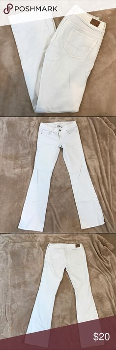 American Eagle White Bootcut Jeans American Eagles white Size 2 Regular original boot jeans. Basically new, hardly ever worn, excellent condition! American Eagle Outfitters Jeans Boot Cut