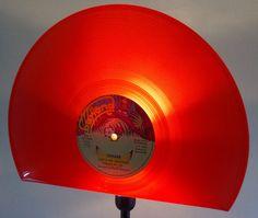 Tischlampen - Tischlampe aus Schallplatte, Lampe, Vinyl - ein Designerstück von Aurum bei DaWanda