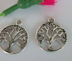 Tibetaans zilveren bedeltje van een boom 24 x 20mm