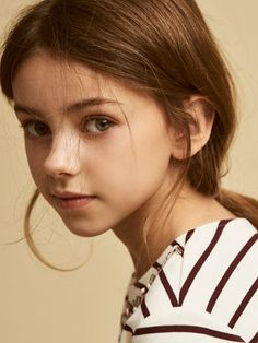Girls´s T-shirts & Tops at Massimo Dutti online. Enter now and view our Fall Winter 2017 T-shirts & Tops collection. Beautiful Little Girls, Cute Little Girls, Beautiful Children, Beautiful Eyes, Girl Pictures, Girl Photos, Face Photography, Cute Girl Face, Female Portrait