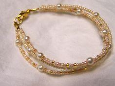 Google Image Result for http://www.foxxycreations.com/Jewelry/Bracelets/Glass%2520Pear%2520Bead%2520Bracelet%2520ES.jpg