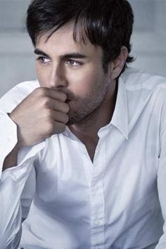 Enrique Iglesias - gorgeous and I love his music!!!