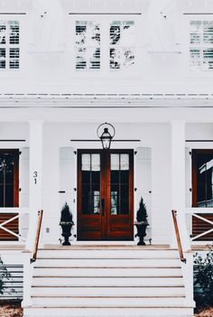 gorgeoussss | front door, apartment, building, home inspiration, house, living space, room, scandinavian, nordic, inviting, style, comfy, minimalist, minimalism, minimal, simplistic, simple, modern, contemporary, classic, classy, chic, girly, fun, clean aesthetic, bright, white, pursue pretty, style, neutral color palette, inspiration, inspirational, diy ideas, fresh, stylish, 2018, sophisticated