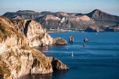 Lipari (Itália) - A maior e mais populosa ilha do arquipélago das Eólias, É de origem vulcânica e Património Mundial da Humanidade desde 2000,